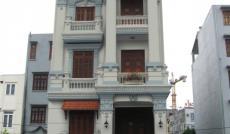 Cần bán gấp nhà hẻm đường Nguyễn Đình Chiểu, Q. 3