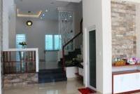 Bán nhà 2MT gần ngay ngã tư Lê Văn Sỹ Trần Quang Diệu, Q 3, DT: 10x10m, hầm, 6 lầu. LH: 0934 574 836