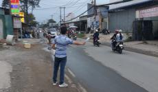Lô đất mặt tiền kinh doanh ngay ngã 3 Lò Lu, Lã Xuân Oai, khu dân cư sầm uất, tiện kinh doanh