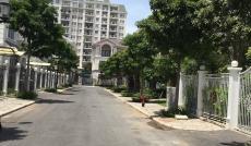 Cho thuê gấp biệt thự phố vườn Phú Mỹ Hưng, Q 7, gồm 4 PN, nhà đẹp phong cách Châu Âu, 0918407839