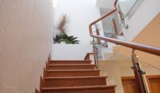 Bán biệt thự khu A, đường Số 7. Diện tích: 7.5x 20m, trệt, lầu, áp mái, 4 phòng