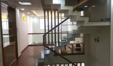 Tôi cần bán căn nhà Lê Văn Sỹ Q.3. DT: 4x25m, khoán HOTEL 95tr/th. gần cầu LVS Q.3. giá chỉ 19.5 tỷ