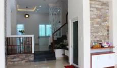 Bán nhà, 3 lầu, đường Đề Thám, Q1. Dt: 5,2m x 25m. Giá: 19 ty.