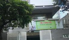Biệt thự siêu VIP MT Nguyễn Bá Tòng 10x20 hầm 2 lầu
