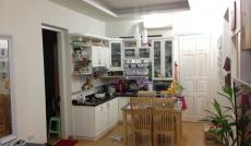 Cần cho thuê gấp căn hộ chung cư Đường Sắt, đường CMT8, quận 3. Dt : 105m2, 3PN, 2WC