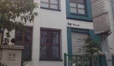 Cho thuê nhà MT Hồng Hà, Q.PN, DT: 1000m2, 1 trệt, 1 lửng, 1 lầu. Giá: 85tr/th