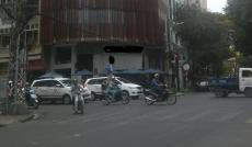 Cho thuê nhà 2MT Nguyễn Trãi. DT 500m2. Giá 350 tr/th