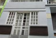 Bán nhà mặt tiền Huỳnh Văn Bánh, DT: 4.2x15m, bán giá chỉ 15 tỷ,3 lầu,