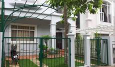 Cần cho thuê biệt thự Phú Mỹ Hưng nằm trong khu vực yên tĩnh, nhà đẹp đủ nội thất