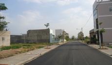 Cần bán lô đất ngay chợ Hóc Môn, nằm trong KDC, DT 100m2